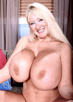Mature fanny holes